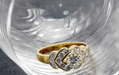 Kam v dome schovať zásnubný prsteň?